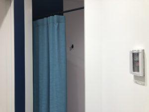 授乳室のカーテン